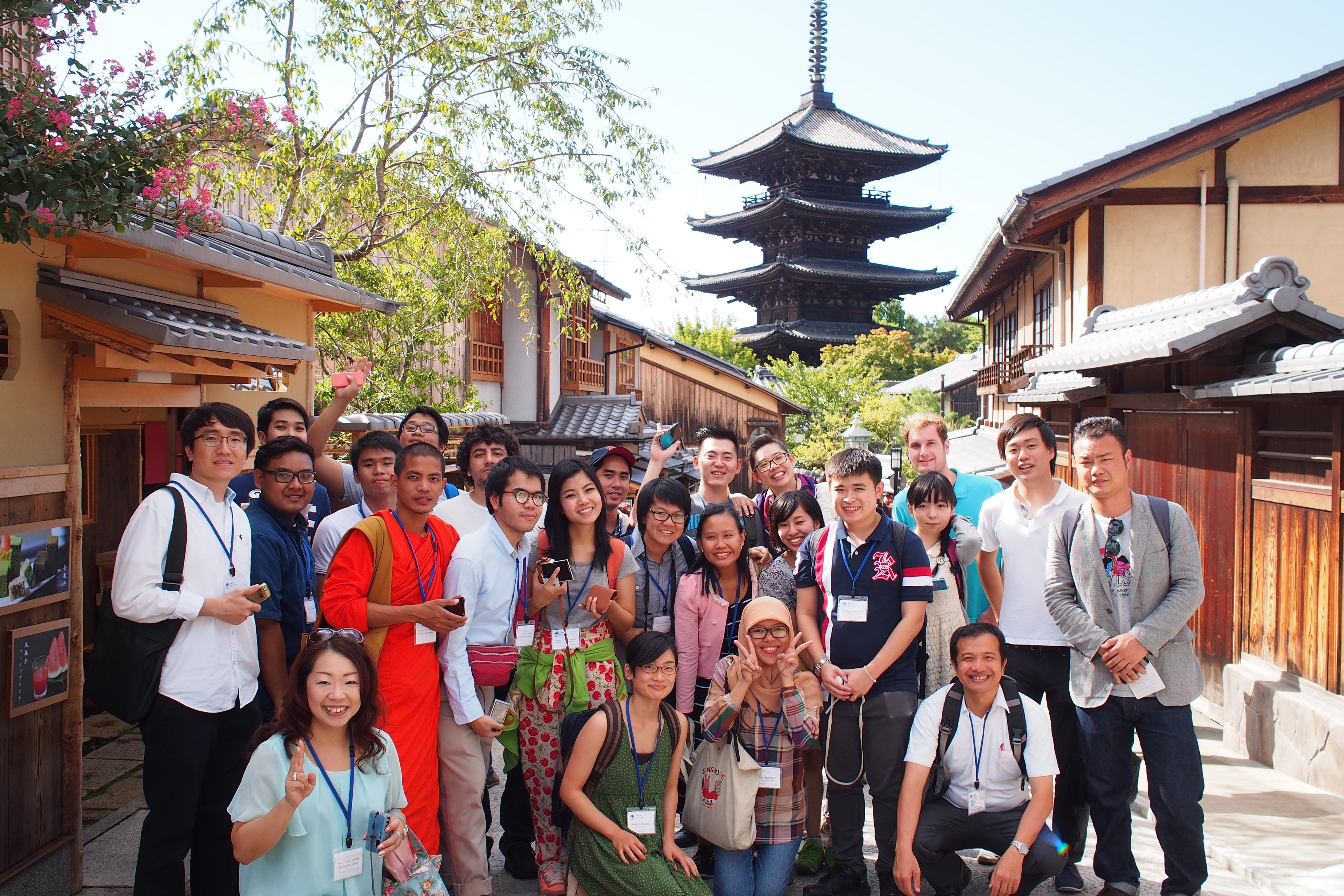 Participants visiting the Kiyomizu Temple